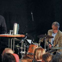 Bak eit kvart stødig orkester bør alle ha ein Nils Midtseter. (Foto: KOG)