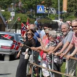 Godt publikum også i Hamnevegen. (Foto: KVB)