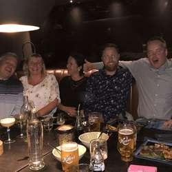 Så var det middag og ein liten fest i Oslo. (Privat foto)