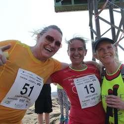 Ingrid Netland fekk god støtte og kom i mål som sistemann på knappe 50 minutt. (Foto: KVB)