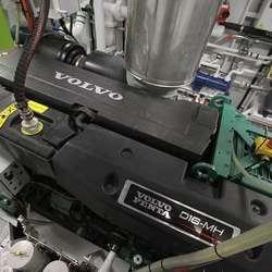Båten har 600 hk frå Volvo. (Foto: KVB)