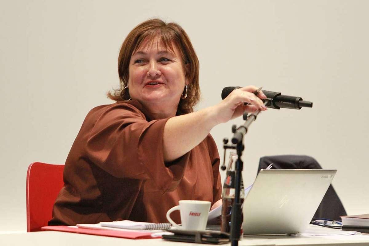 Trine Lindborg gler seg stort over ferske tal frå økonomisjefen. (Arkivfoto: KVB)