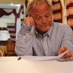 Hans Bjørn Bakketeig informerte elevane og lærarane om kva dei kunne venta seg (privat foto)