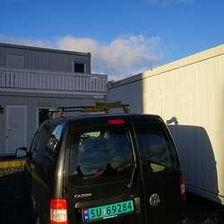 Mens dei ventar på å få bygga fungerer dette som hovudkvarter. (Foto: KVB)