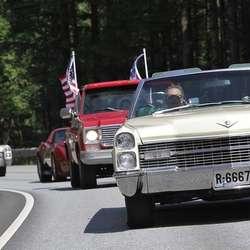 Delar av paraden i fjor. I år går paraden til Halhjemsmarka. (Foto: KVB)