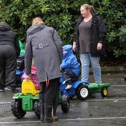 Mange ville testa traktorane (foto: AH)