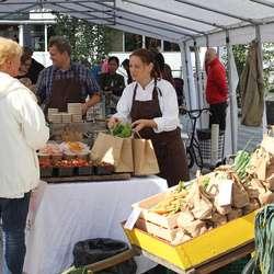 Kortreist mat hos Osøyro Kolonial (foto: AH)