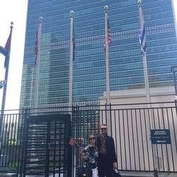 Hilde Sjøbø Asbjørnsen i New York, på jobb i FN-bygningen.