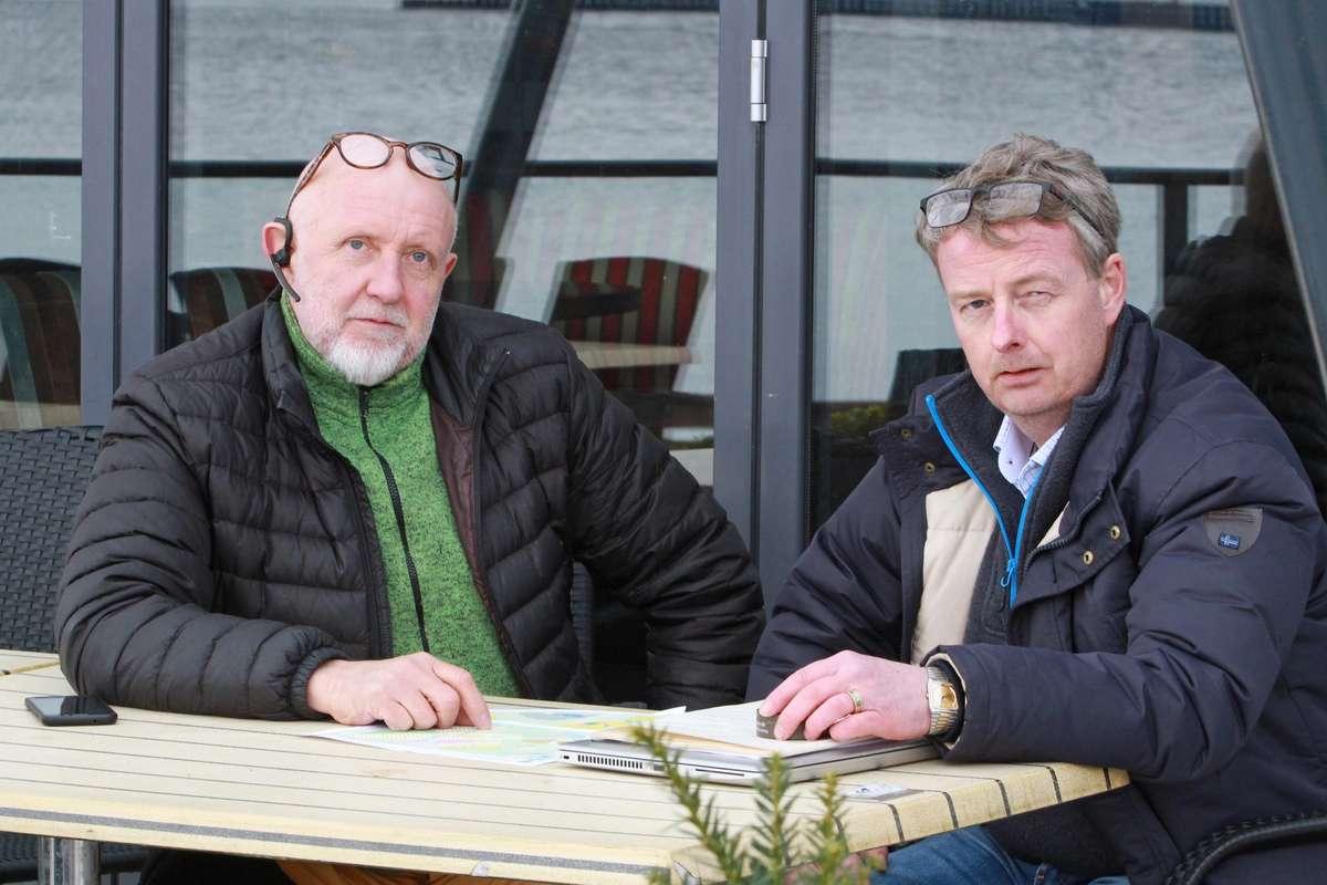 Gustav Bahus og Terje Søviknes foreslår at kommunen skrinlegg den nye planen og tar i bruk den gjeldande frå 2012. (Foto: Kjetil Vasby Bruarøy)