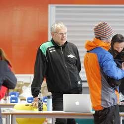 Erling Andersen i sekretæriatet på Os ungdomsskule. (Foto: CFB)