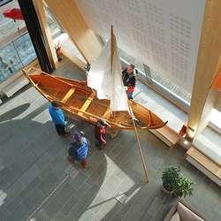 Båten vart i går vidare førebudd for dagens løft. (Foto: KOG)