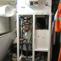 Med denne kan dei laga ferskvatn av sjøvatn. (Foto: KVB)