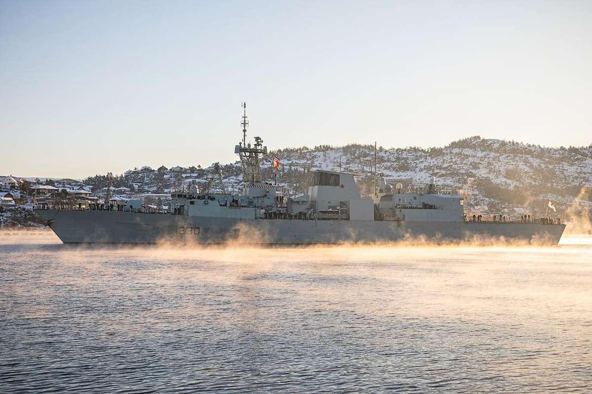 Allierte krigsskip inntar fjordene
