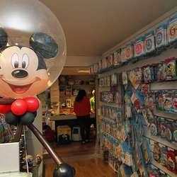 Lille Ballong har det meste du kan tenka deg av ballongar. (Foto: KML)