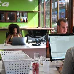 Conta har fint kontor i Pipa. (Privat foto)