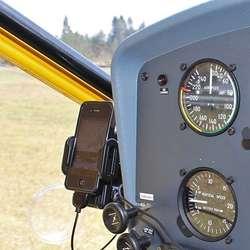 Vinje styrer all navigasjon med iPhone. (Foto: KVB)