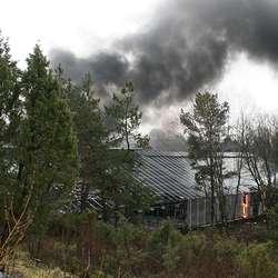 Over 20 personar var i arbeid då brannen braut ut. (Foto: KVB)