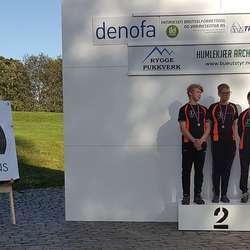 Asbjørn, Karl og Bettina tok dessutan sølv i lagskyting. (Privat foto)