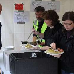Bondelaget serverte fårikål med lam frå Moberg (foto: AH)