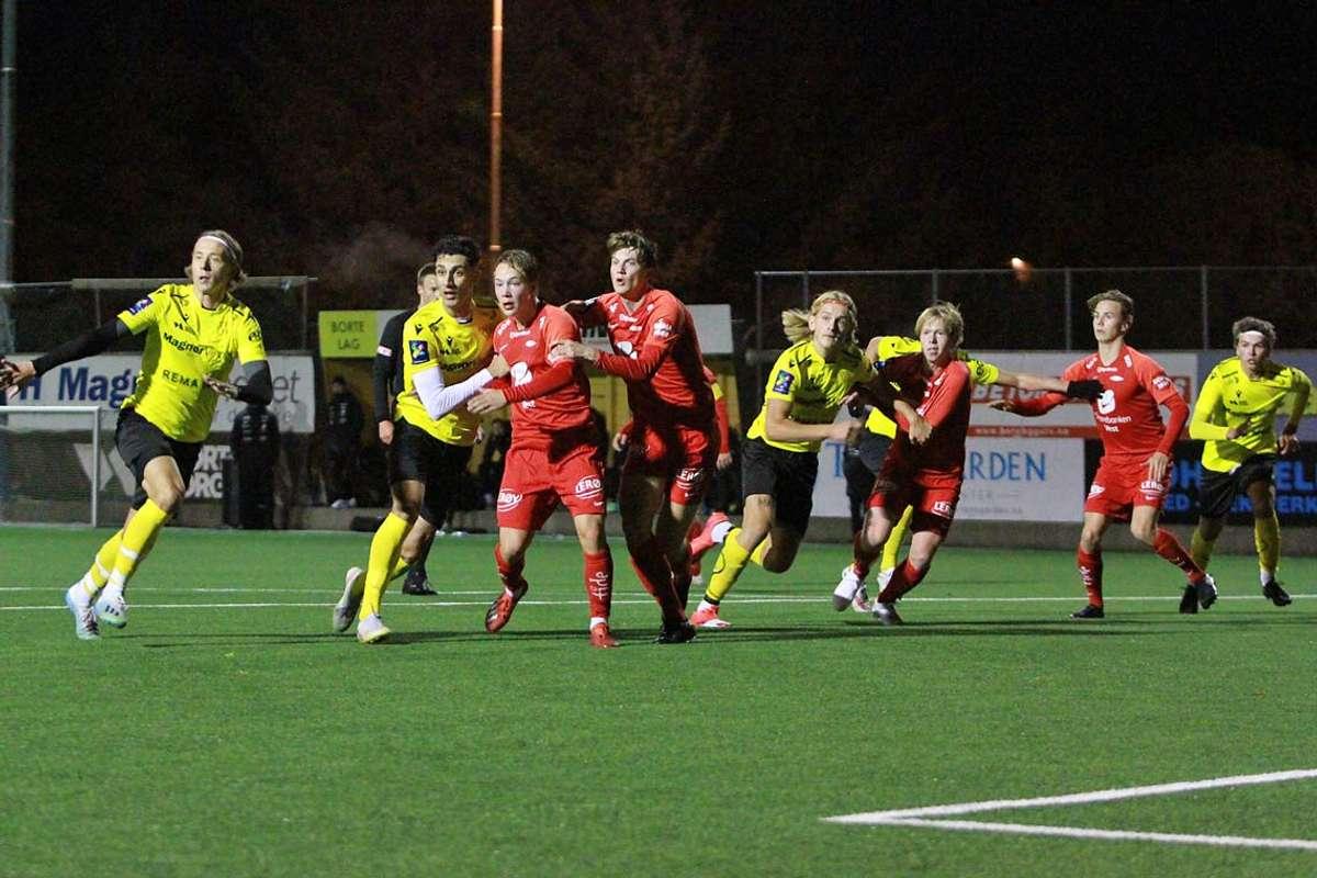 Med unntak av ein periode midt i første omgang fekk Os-juniorane vist mykje bra mot Brann tysdag kveld. (Foto: Kjetil Vasby Bruarøy)