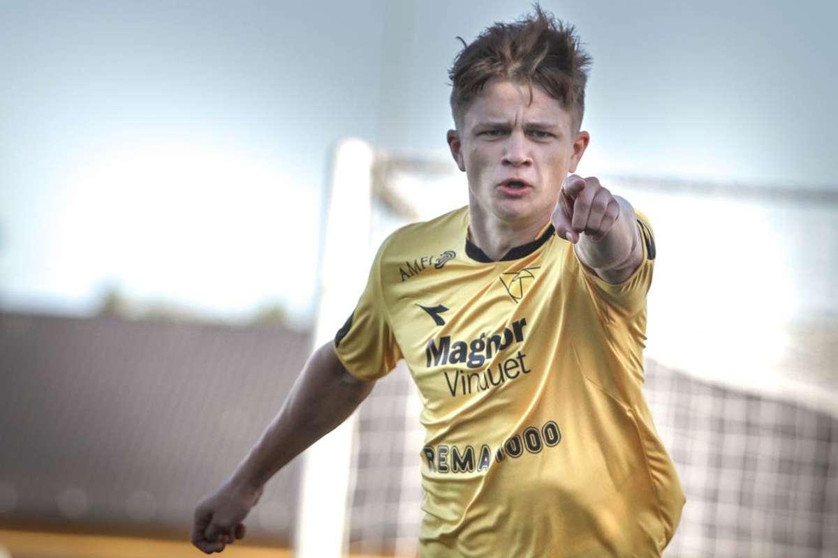 Øystein Takle Eide har scora 14 mål på 53 kampar for Os A-lag. (Foto: KVB)