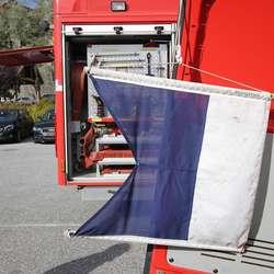 Visste du at dette er dykkarflagg, som betyr at du skal halda deg unna? (Foto: Kjetil Vasby Bruarøy)