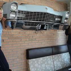 Linda eig vegkroa saman med dottera Hanne Catrine. (Foto: KVB)