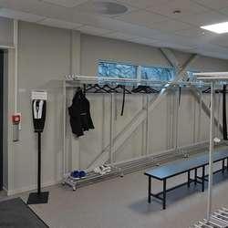 Produksjonsarbeiderane har inngang rett i garderoben.