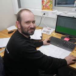 Tore sin bror, ingeniør Raymond Sælen, har òg byrja å jobba ved familieverksemda. (Foto: KVB)