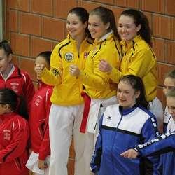 Tiger-damene vann lag-kata. (Foto: KVB)