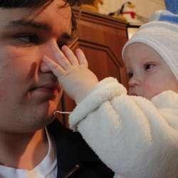 Sterkt møte med eitt år gamle Gabriel som er blind (privat foto)
