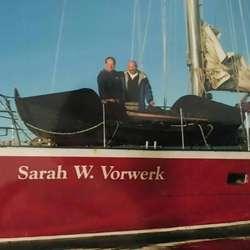 Turen rundt Kapp Horn gjekk i oselvar med høge riper. Også då med følgjebåt.