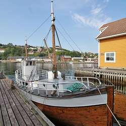 «Snøgg» blei brukt til å køyra kanadiarane i skjul frå tyskarane. Båten flyter framleis. (Foto: KOG)