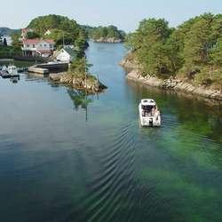 Askeladden P92 SUV på heimebane i Nordstrøno. (Foto: Askeladden Boats)