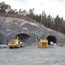 Det eine av dei to løpa av Lyshorntunnelen går no 30 meter inn. (Foto: KVB)