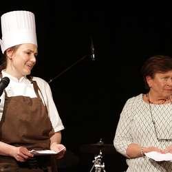 Silja D. Moberg og Inger Berit Bøyum presenterte meny og vin. (Foto: KVB)