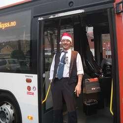 Skyss-sjåfør Lars Bugge såg imponert ut!  (Foto: KVB)