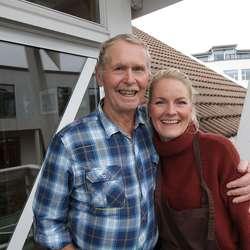 John Lepsøy stilte seg i kø hos Karoline Hille Nordstrønen. (Foto: KVB)