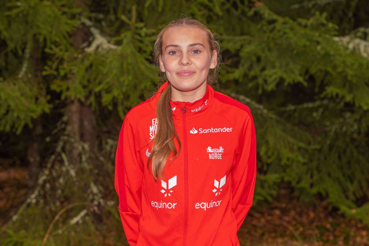 Hun har lenge vært et lovende fotballtalent, nå har Nora Blindheim Nøss vært på sin aller første landslagssamling. (Foto: NFF)