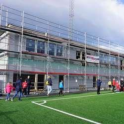 Nytt bygg med garderobar og klubbhus er klart i 2018. (Foto: KVB)