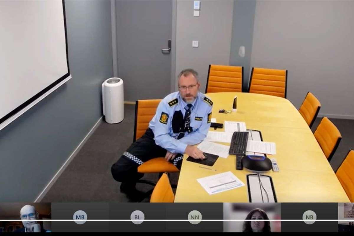 Dyrdal møtte, som dei andre, via video. (Foto: Kommune-TV)