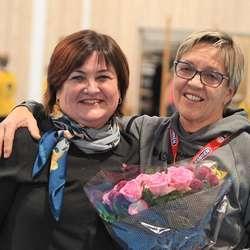 Og ein av hennar første elevar, ordførar Trine Lindborg. (Foto: KVB)
