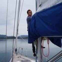 Seilet skal pakkes. Philip ordner det (privat foto)