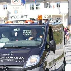 Stian Færevaag kjørte følgebil.  (Foto: KVB)