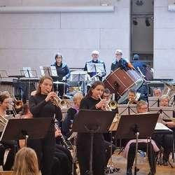 Showpiece på 3 x trompet. Frå venstre: Ragnhild Kristine Midtbø, Åshild Underhaug Berle og Vibeke Nordtveit.  (Foto: KOG)