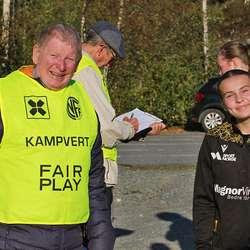 Landslagsaktuelle Nora B. Nøss var blant dei som sjekka inn. (Foto: KVB)