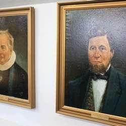 Hans Astrup Krüger (t.h.) var ordførar i Os herred frå 1838. (Foto: KVB)