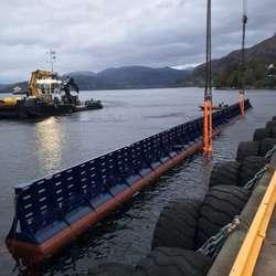 .. og vekk med båten. (Foto: Universal Logistics Bergen AS)