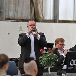 Dei fekk ei stor musikalsk oppleving signert Eikanger-Bjørsvik Musikklag. (Foto: KOG)
