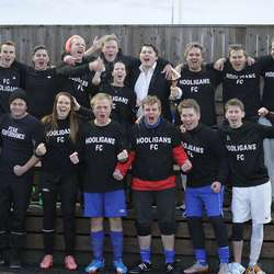 Hooligans fekk disp til å delta i amatør og vann mixfinalen. (Foto: KVB)